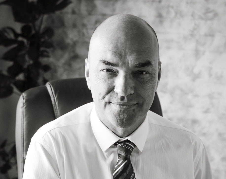 Mr Gary Cass : Non-Executive Director